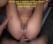 Arrombei com a bucetinha da minha filha pornô legendado português Brasil
